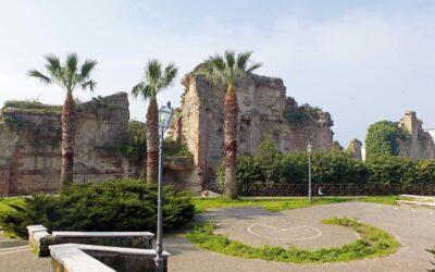 """Il """"Tempio di Nettuno"""" a Pozzuoli"""